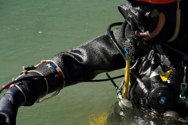 Combinaison étanche ou sèche sur mesure néoline watersport