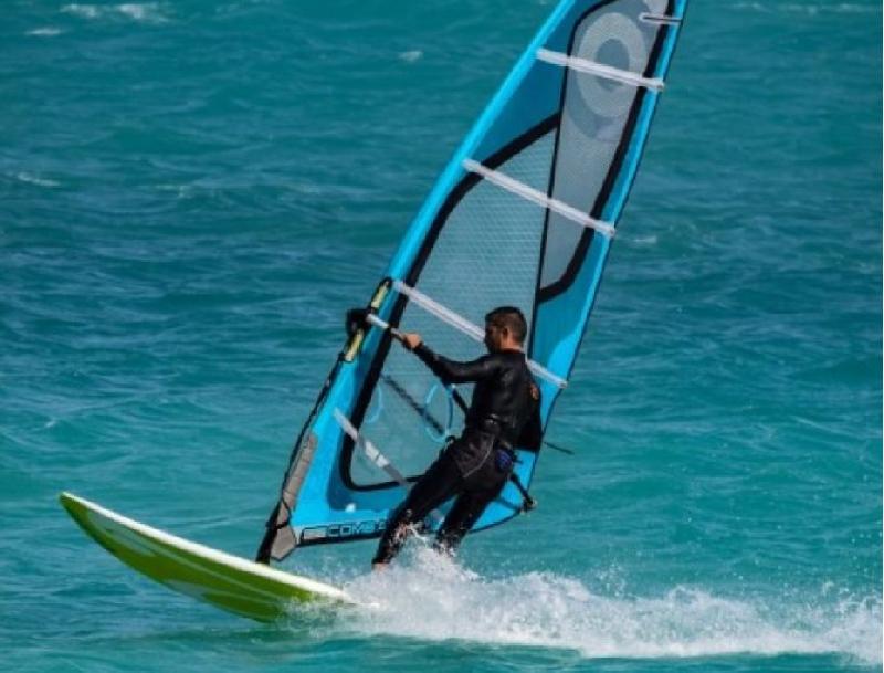 Combinaison de surf, wind et kite sur-mesure néoline